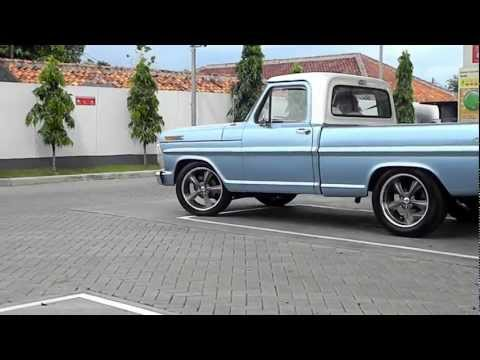 1970 Ford F100 newly restored_First burn-out