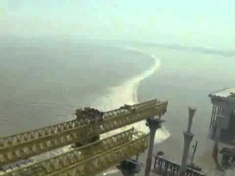 Уникальная приливная волна Китай