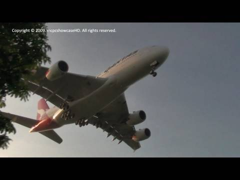 ABOUT THIS VIDEO A QANTAS Airways Airbus A380-800 makes her final approach and then lands on runway 27L at Heathrow Airport. Aircraft Registration: VH-OQC Ai...