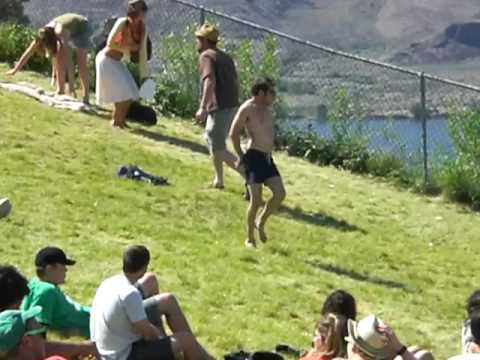 Sasquatch music festival 2009 - Guy starts dance party Video