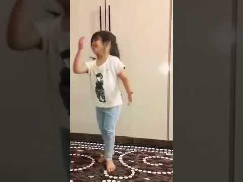 اجمل رقص اطفال عراقي thumbnail