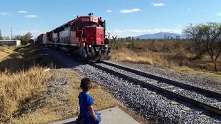 Railfaning Funny moments with my son! SD45 3199 3197