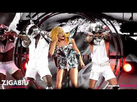 Lady Gaga - Bad Romance LIVE!!!