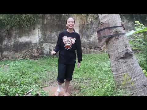 Kaki Besi Jiigh AD dan Persaudaraan Harimau Utara Pencak Silat Female Fighter Chintya Candranaya