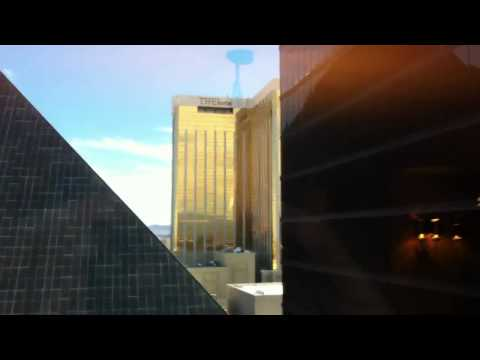 Luxor Hotel & Casino Towers Suite Review