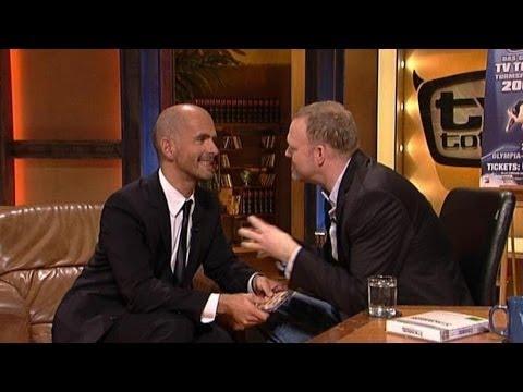 Schauspieler Christoph Maria Herbst gab sich bei TV total die Ehre und gab einen spannenden Ausblick auf die neue Stromberg-Staffel. Die ganze Folge auf MySp...
