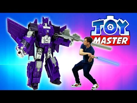Toy Master помогает Бамблби вырваться из плена Десептиконов!