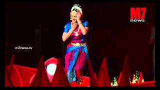 Manju warrier Performing Dance on Ravi Pillai