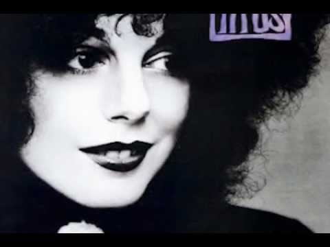 Carly Simon - Darkness