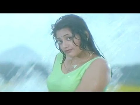 Meena Undressess In Front Of Chiranjeevi - Main Hoon Rakhwala Hot Scene video