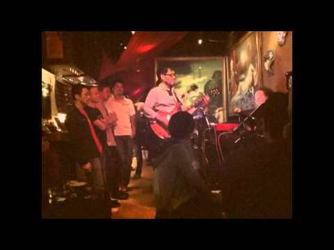 Eugene Pao包以正9.4.2011 jamming at Peel Fresco,Hong Kong