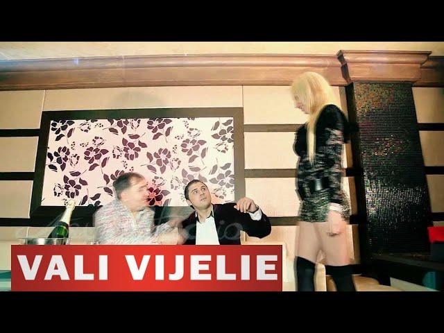 Vali Vijelie si Razvan de la Pitesti - Bine, bine de tot - videoclip 2013 HIT