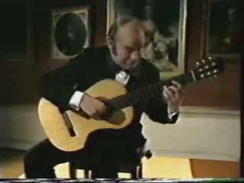 Julian Bream in concert 1977
