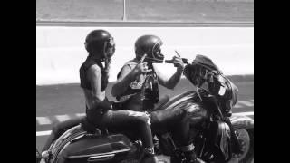 Cặp đôi cực kì phong cách cùng Harley Davidson Street Glide Special
