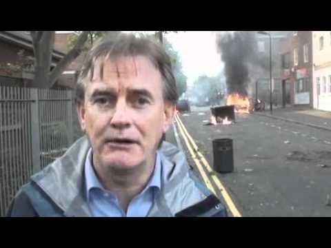 UK riots 2011: Police overrun in Woolwich