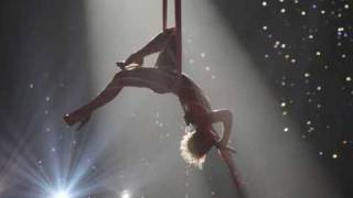 Pink - Glitter In The Air (HQ) (with lyrics)
