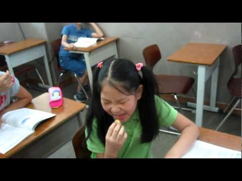 Korean Kids Reacting To Eating War Heads