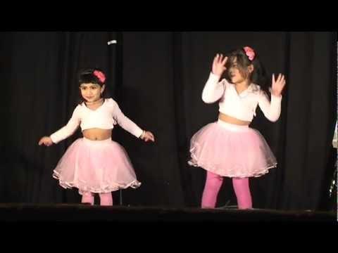 Dance :Kukkuru..kukku..kurukkan...