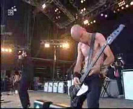System Of A Down - Chop Suey (rock Im Park 2002) video