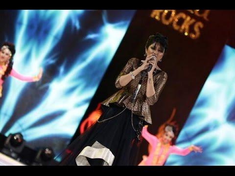 Singer Bhoomi Trivedi Singing Ram Chahe Leela Live Performance