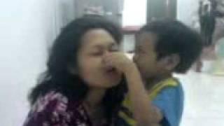 KIDDO KISS.3gp