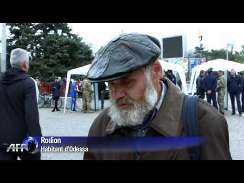 Ukraine: Odessa rend hommage à ses morts, un an après