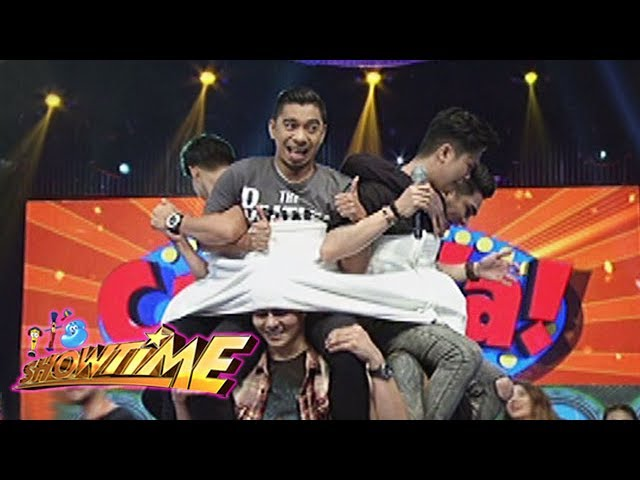 It's Showtime Cash-Ya: Wrapped in a blanket
