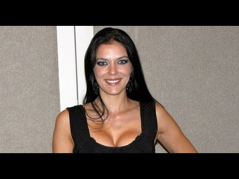 Adrianne Curry Interview - NYCC 2012