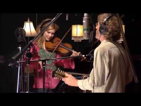Alison Krauss - Sawin On The Strings