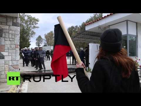 Tear Gas & Batons: Protesters clash with riot police in Greece