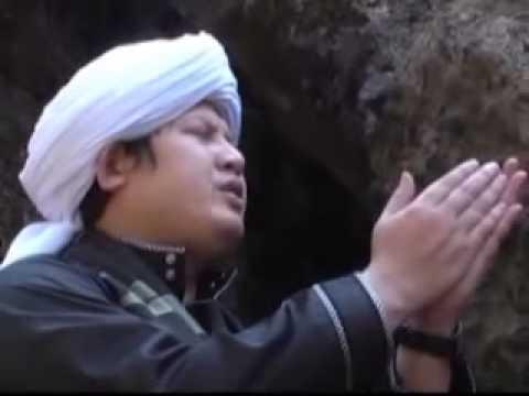 Untaian Mutiara Sholawat   Alal Madinah   Ustad Ule video