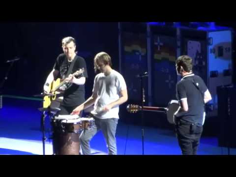 blink-182 All Of This/Boxing Day Live at Sydney Australia 2013