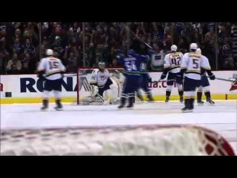 Vancouver Canucks vs Nashville Predators Highlights 10/20/11