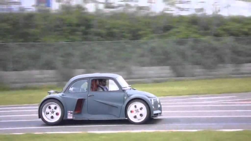 Ein V12 Lamborghini Motor Hat Auch Im Fiat 500 Platz Youtube