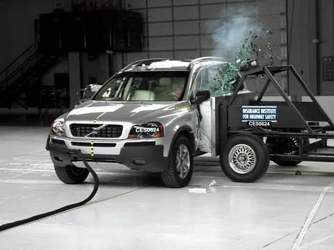 2006 Volvo XC90 side IIHS crash test - YouTube