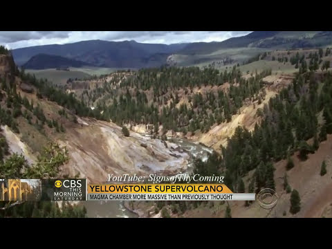 Yellowstone : Extreme Heat from the SuperVolcano is Melting the Roadways (Jul 15, 2014)