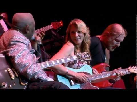 B.B. King-Rock Me Baby (3/6) Live at the Royal Albert Hall 2011