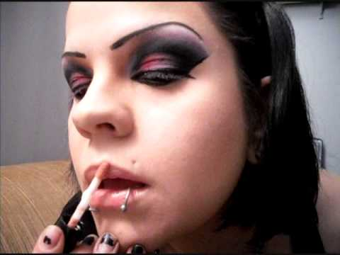 Bright Blue and Pink Gothic Arabic Inspired Makeup and Eyeshadow. Video