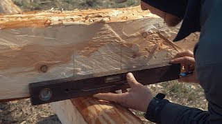 How To Build A Log Cabin - Simple Straight Lap Notch From Hewn Logs