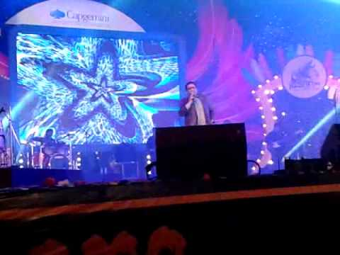Kunal Ganjawala performing Channa Ve in Capgemini fest Jashn...