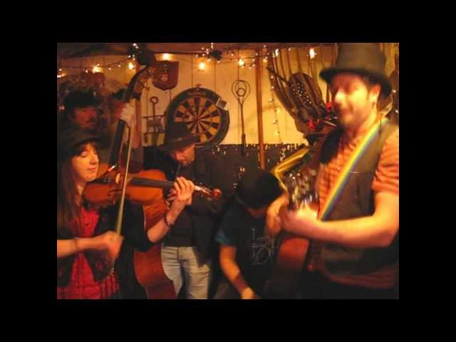 Mad Dog Mcrea - Ducino Kolo - Songs From The Shed Session