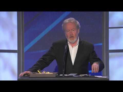 Sir Ridley Scott Receives VES Lifetime Achievement Award