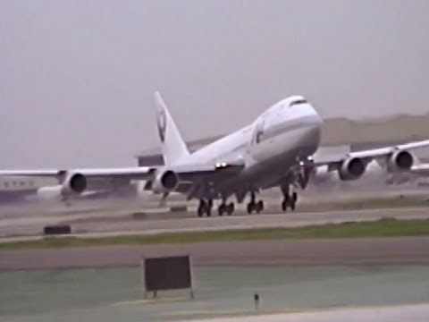Here are some rare 7L & 7R operations in effect. The highlight of this video for me is the American Trans Air (ex-TWA) L-1011 departing. Shot by my friend Cr...