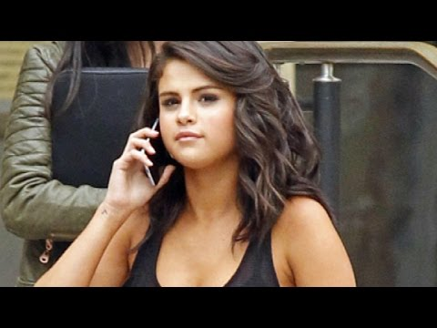 Selena Gomez Looks Flawless on the Set of 'The Big Short'! thumbnail
