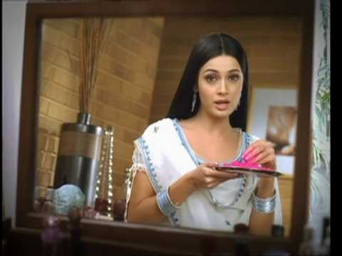 Parachute hair oil Tv Ad by Diya Mirza  - Hol...