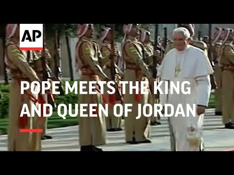 Pope meets the King and Queen of Jordan
