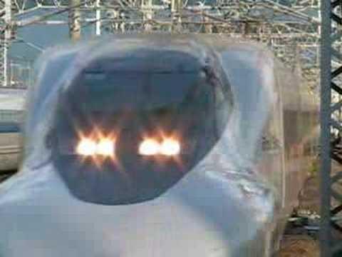 Class 700 as Hikari-Railstar bound for Hakata,class 500 as Nozomi bound for Tokyo. ���������������������京��500系����� ���代�...