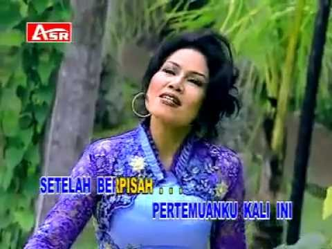 Rita Sugiarto - Pertemuan - Lagu Dangdut video
