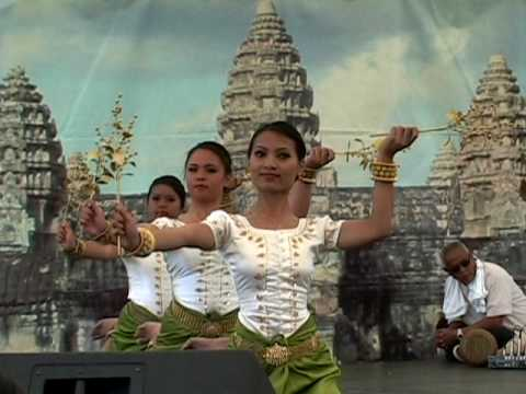 Gold & Silver Flowers (Khmer classical dance, April 2010 ) Video