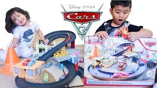 2019 Disney Cars Toys Race Around Radiator Springs Playset with Cars Diecast Collection Toy Review